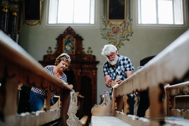 preparazione della chiesa per il matrimonio a Bolzano