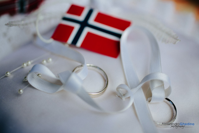 fotografo matrimonio bolzano anelli di nozze
