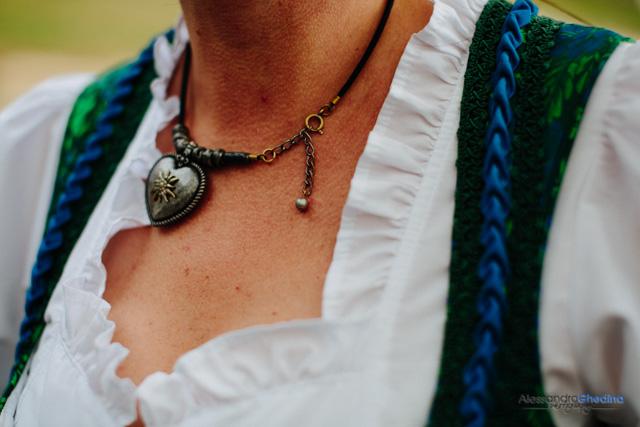 dettaglio vestiti tradizionali