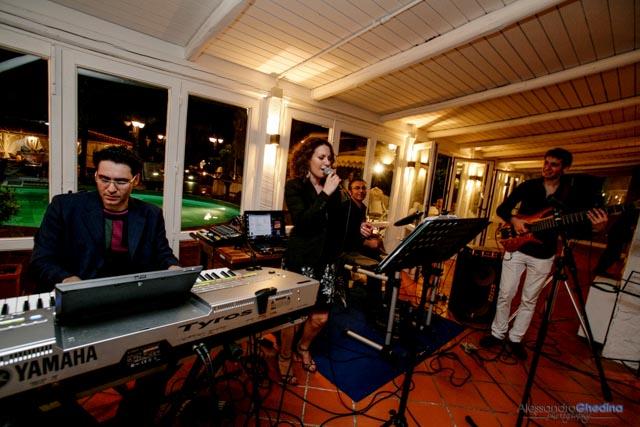 band musicale suona per il matrimonio