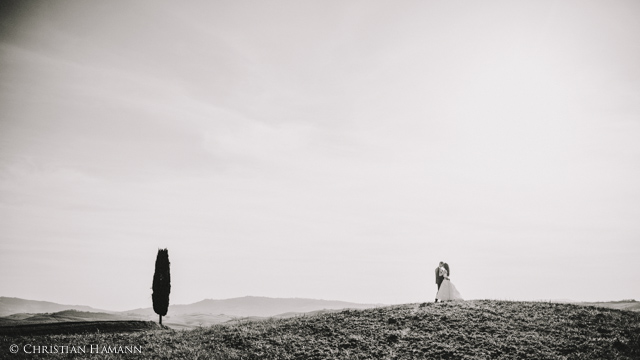 nice wedding picture in Val d'Orcia