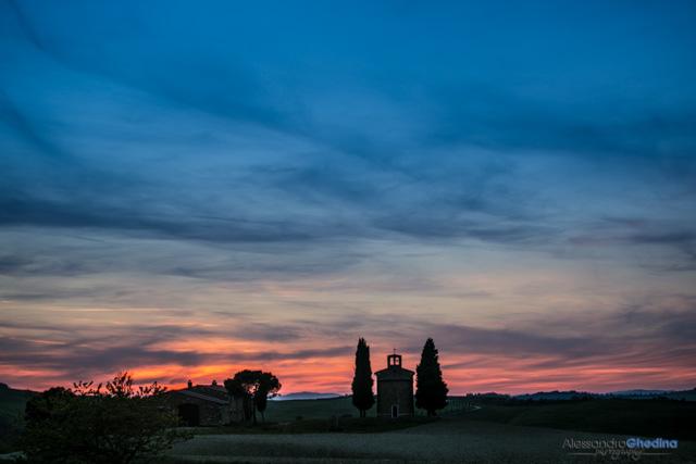 bellissimo tramonto alla chiesa della Madonna di Vitaleta