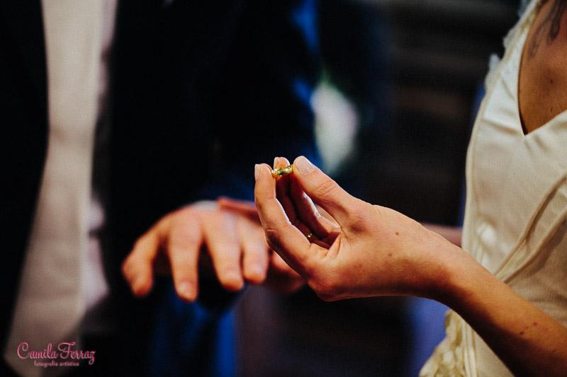 ring exchange intimate wedding in Montegonzi arezzo