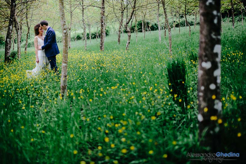 romantic location beautiful bride intimate wedding in Montegonzi arezzo