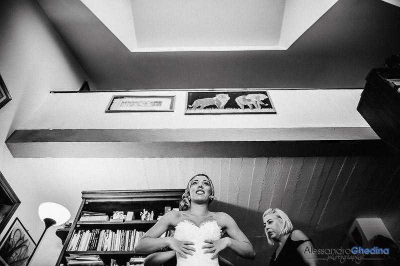 la sposa si prepara per le nozze