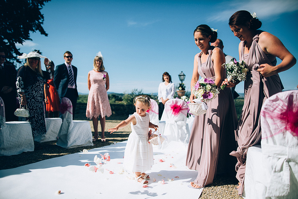 Tuscany countriside wedding photographer