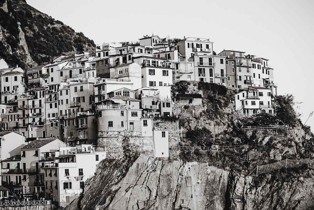 Engagement photographer cinque terre Italy, Manarola