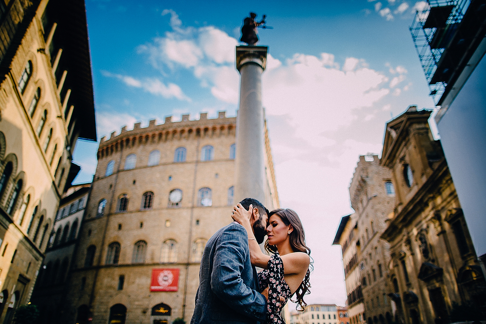 HONEYMOON PHOTOGRAPHER IN TUSCANY | Honeymoon photography session in Florence
