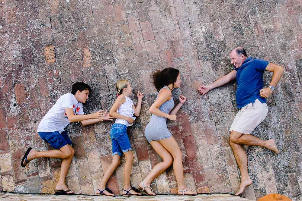 FAMILY PORTRAIT PHOTOGRAPHER TUSCANY – Family portrait photography in Chianti
