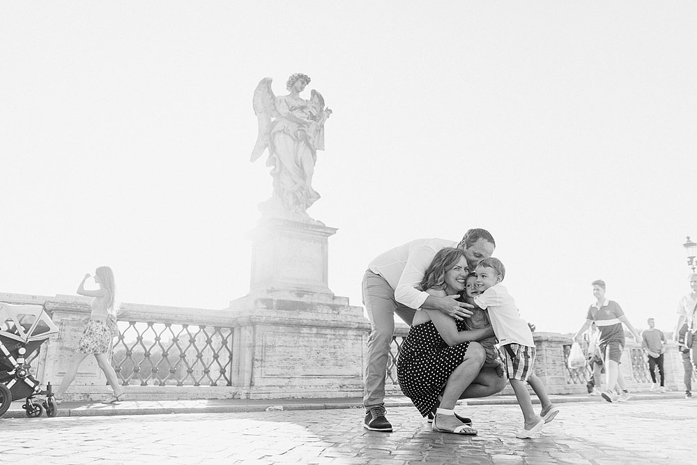 FAMILY PORTRAITS IN THE CENTER OF ROME