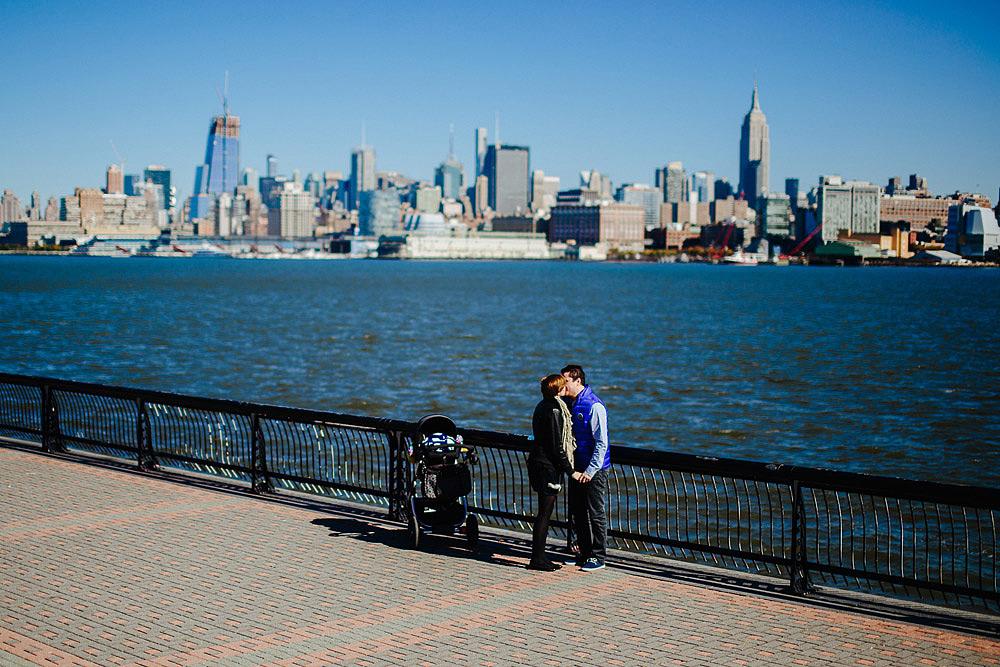 RITRATTO DI FAMIGLIA A NEW YORK CON IL NUOVO ARRIVATO
