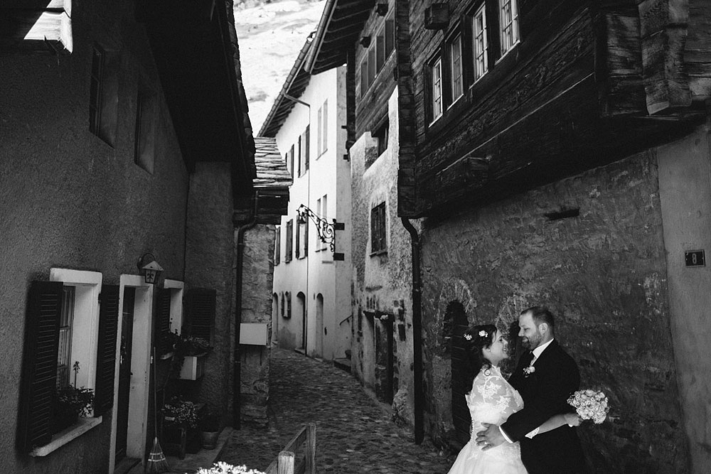 SWITZERLAND EXCITING AND TRADITIONAL WEDDING IN NIEDERGESTELN