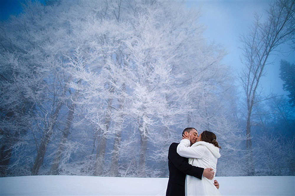 LUCERNE ROMANTIC WEDDING ON THE SNOW IN SWITZERLAND