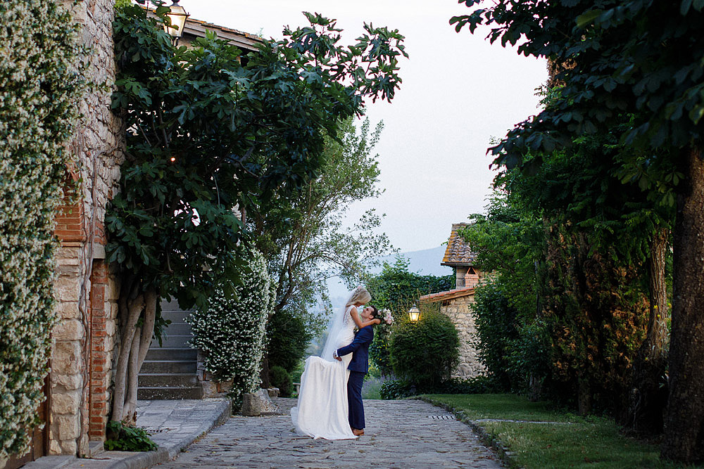 BORGO CORSIGNANO | POPPI WEDDING IN A CORNER OF PARADISE :: Luxury wedding photography - 43