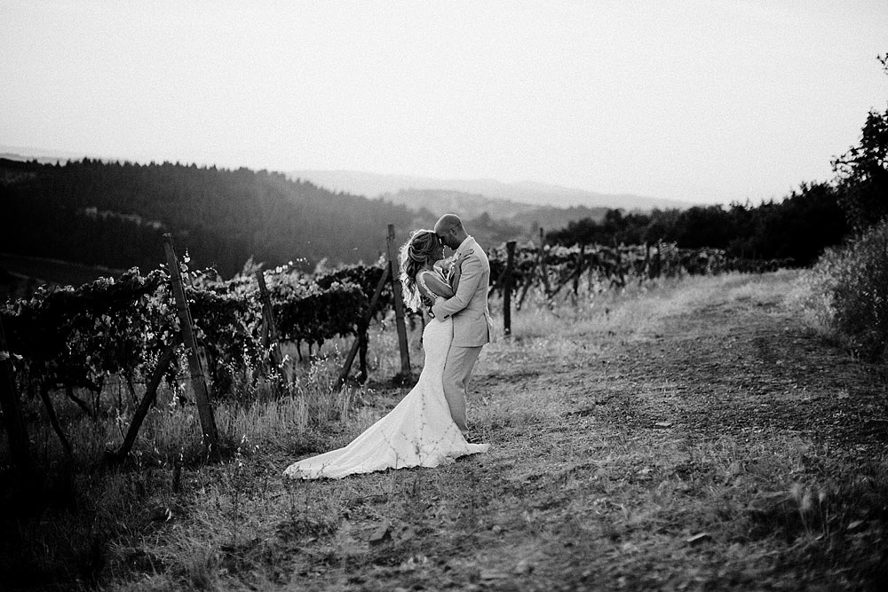 ROMANTIC AND RUSTIC WEDDING CHIC IN CHIANTI TUSCANY