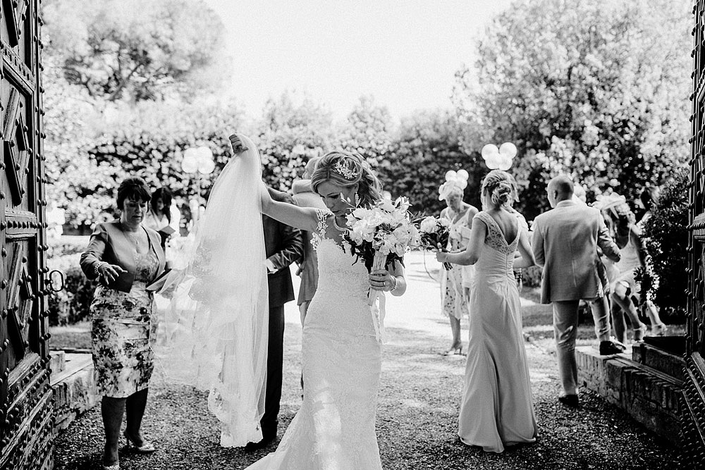 Romantic and Rustic Wedding Chic in Chianti Tuscany :: Luxury wedding photography - 21