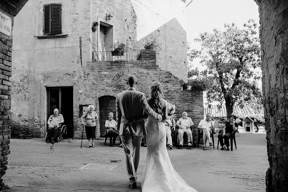 Romantic and Rustic Wedding Chic in Chianti Tuscany :: Luxury wedding photography - 34