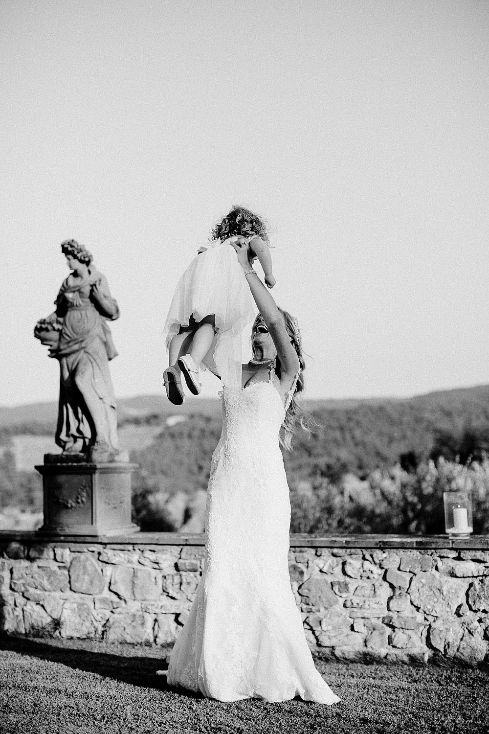 Romantic and Rustic Wedding Chic in Chianti Tuscany :: Luxury wedding photography - 41