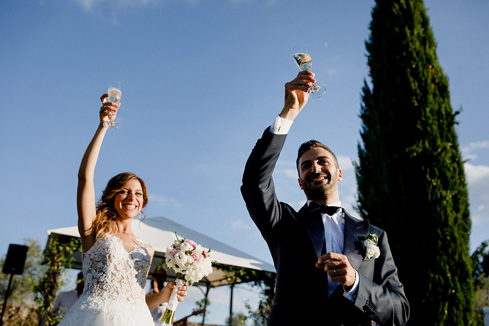 Matrimonio in Val d'Orcia in un romantico borgo Toscano :: Luxury wedding photography - 37
