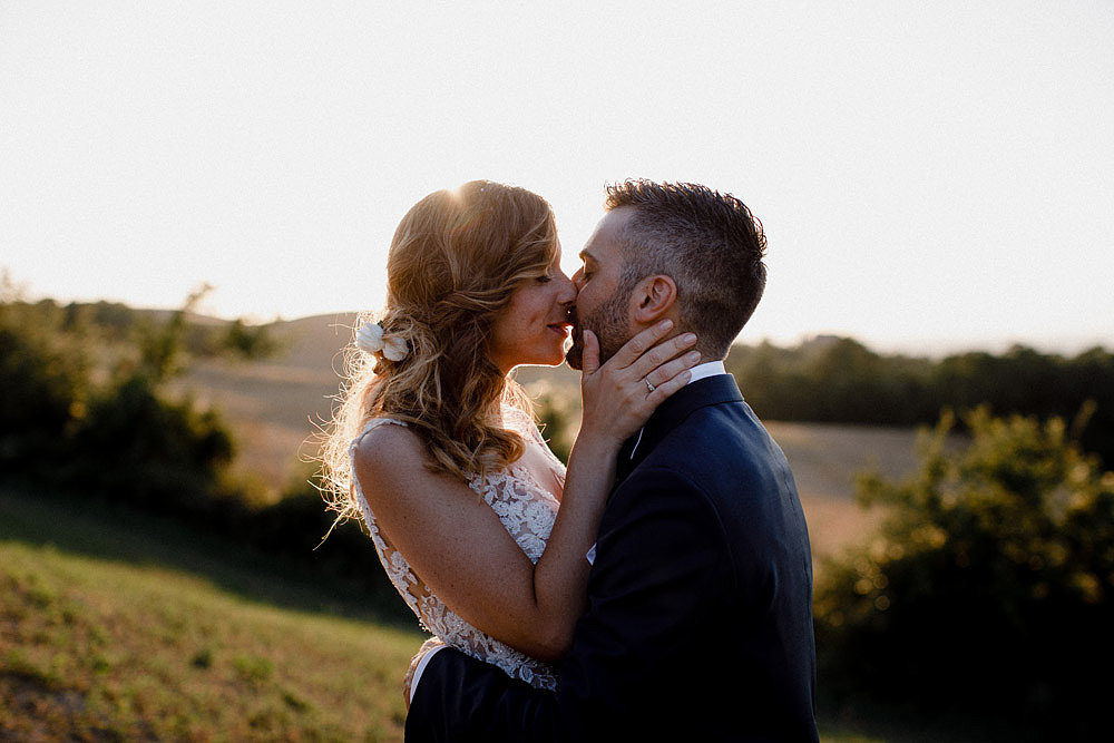 Matrimonio in Val d'Orcia in un romantico borgo Toscano :: Luxury wedding photography - 39