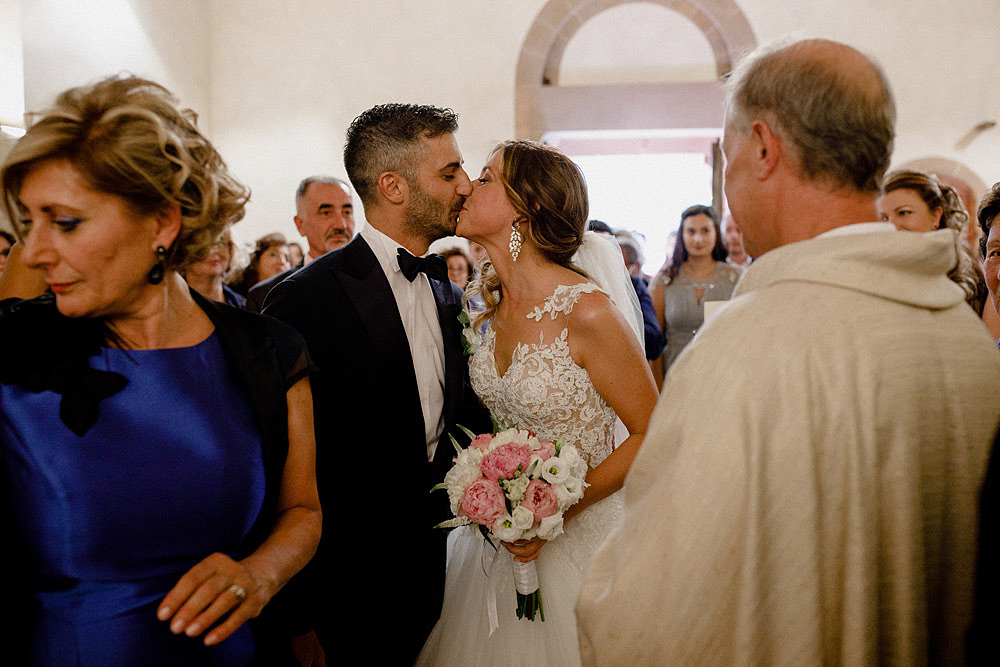 Wedding in Val d'Orcia in a romantic Tuscan village :: Luxury wedding photography - 27