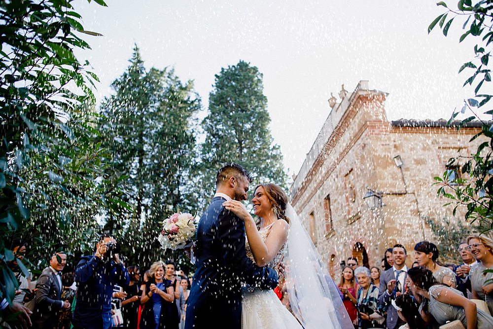 Wedding in Val d'Orcia in a romantic Tuscan village :: Luxury wedding photography - 32