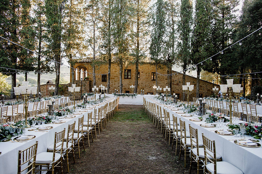 Wedding in Val d'Orcia in a romantic Tuscan village :: Luxury wedding photography - 34