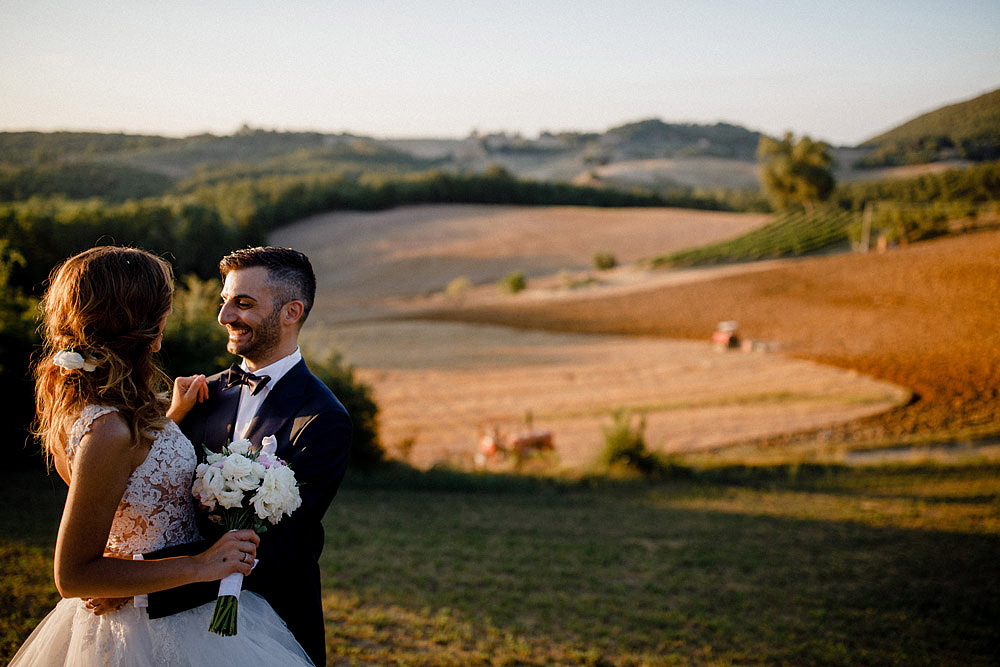 Wedding in Val d'Orcia in a romantic Tuscan village :: Luxury wedding photography - 38