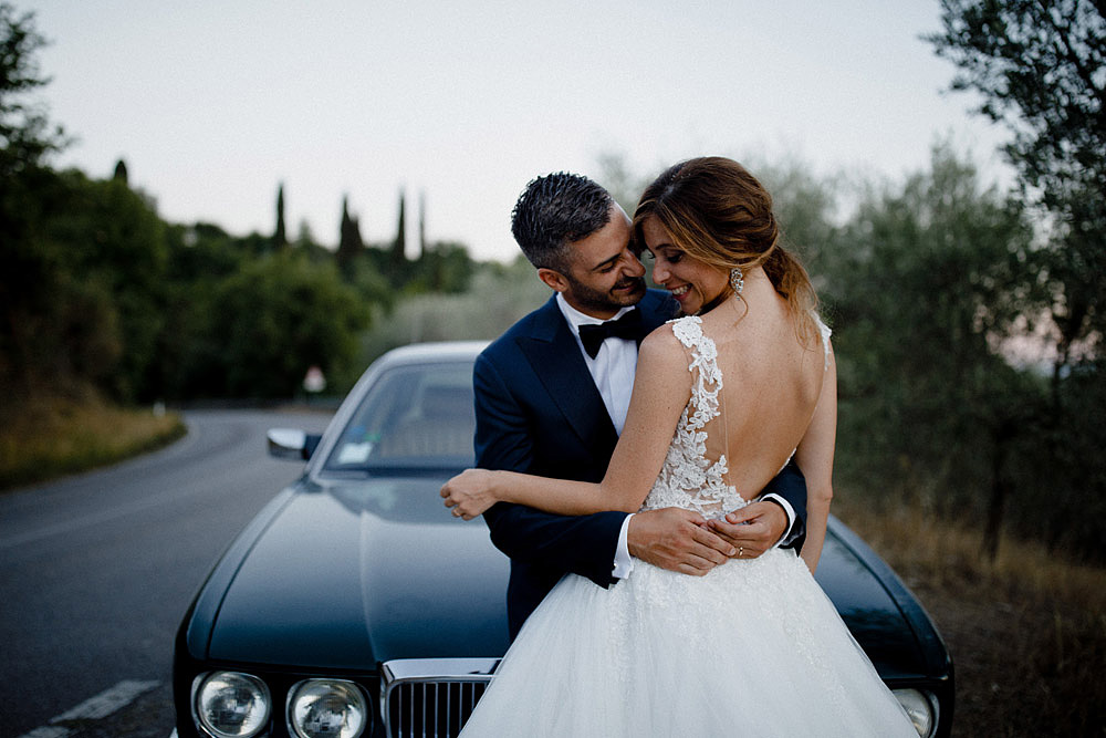 Wedding in Val d'Orcia in a romantic Tuscan village :: Luxury wedding photography - 47