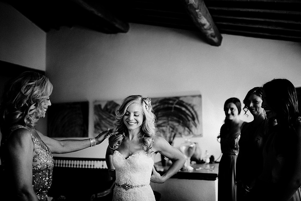 MONTEGONZI WEDDING IN A BEAUTIFUL VILLA IN TUSCANY :: Luxury wedding photography - 17