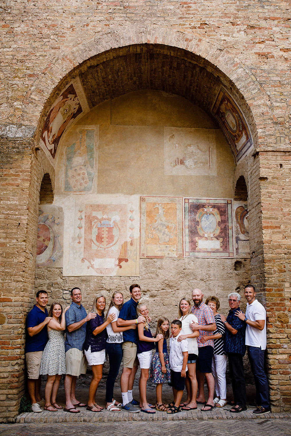SAN GIMIGNANO FAMILY PORTRAIT IN TUSCANY :: Luxury wedding photography - 6
