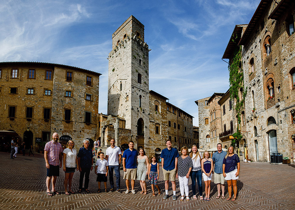 SAN GIMIGNANO FAMILY PORTRAIT IN TUSCANY :: Luxury wedding photography - 14