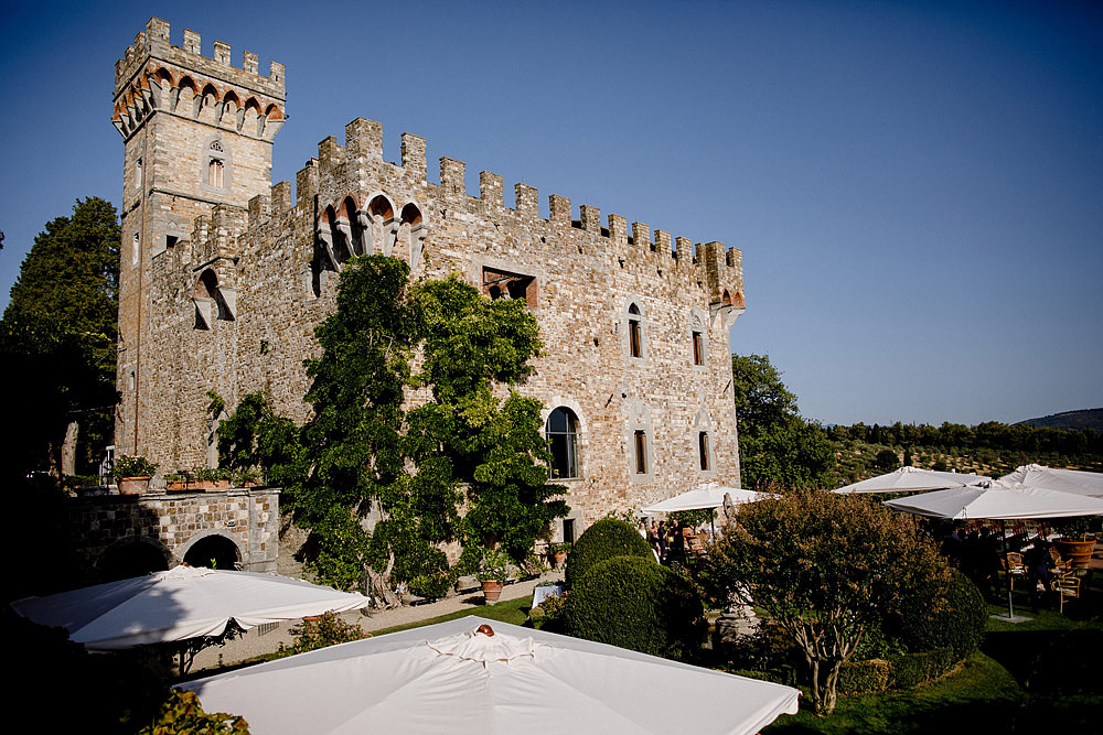 ART AND NATURE FOR A WEDDING AT CASTELLO VINCIGLIATA :: Luxury wedding photography - 14