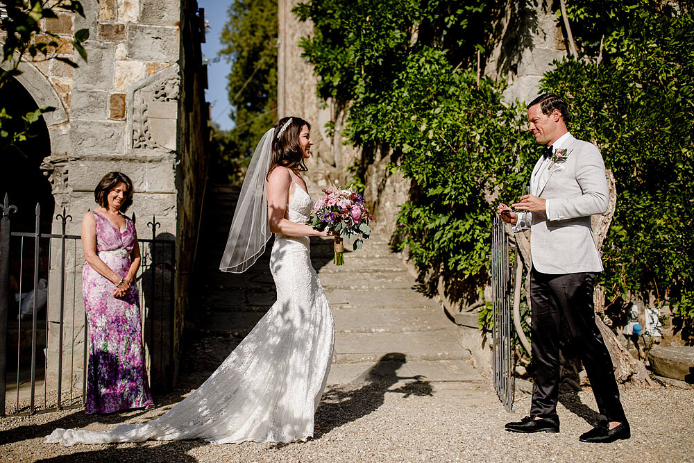 ART AND NATURE FOR A WEDDING AT CASTELLO VINCIGLIATA :: Luxury wedding photography - 16