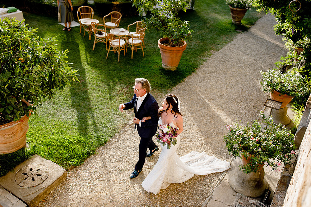 ART AND NATURE FOR A WEDDING AT CASTELLO VINCIGLIATA :: Luxury wedding photography - 28