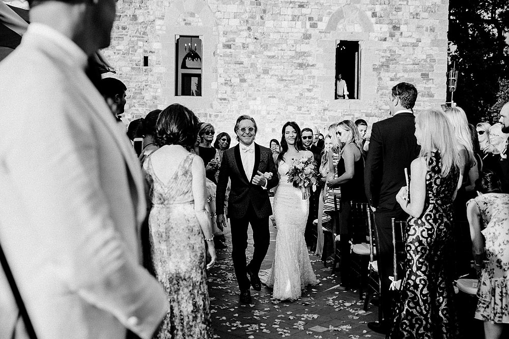 ART AND NATURE FOR A WEDDING AT CASTELLO VINCIGLIATA :: Luxury wedding photography - 29