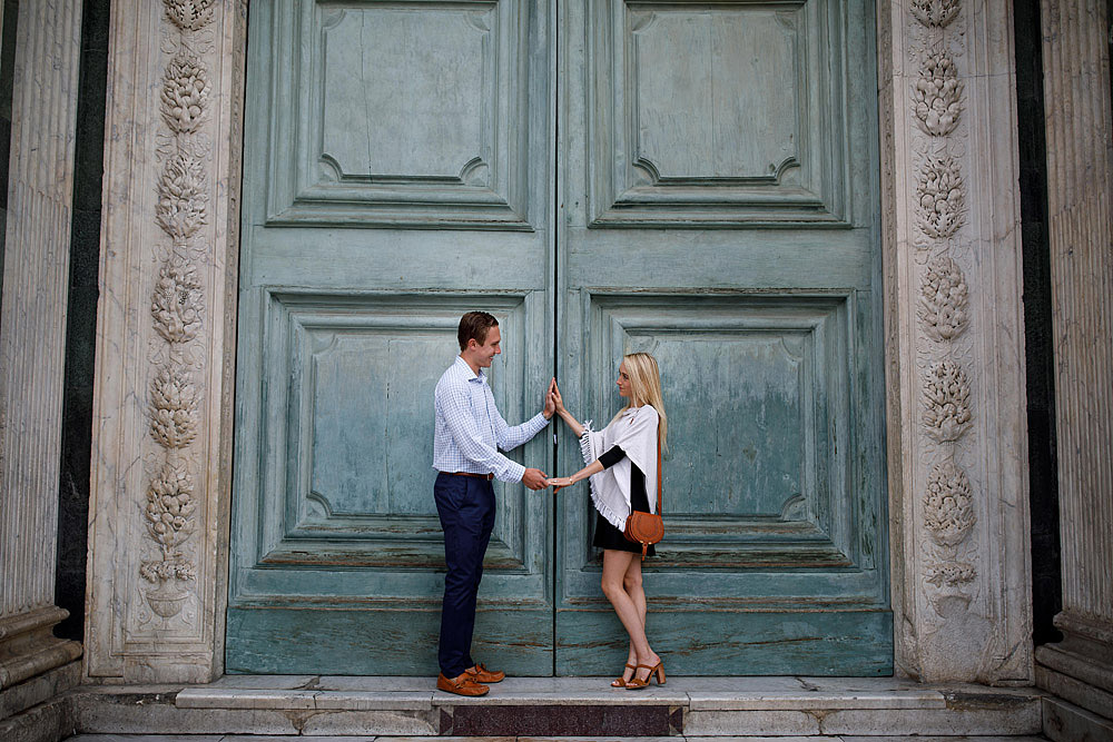 Honeymoon in the hiscoric centre of Florence Tuscany :: Luxury wedding photography - 1