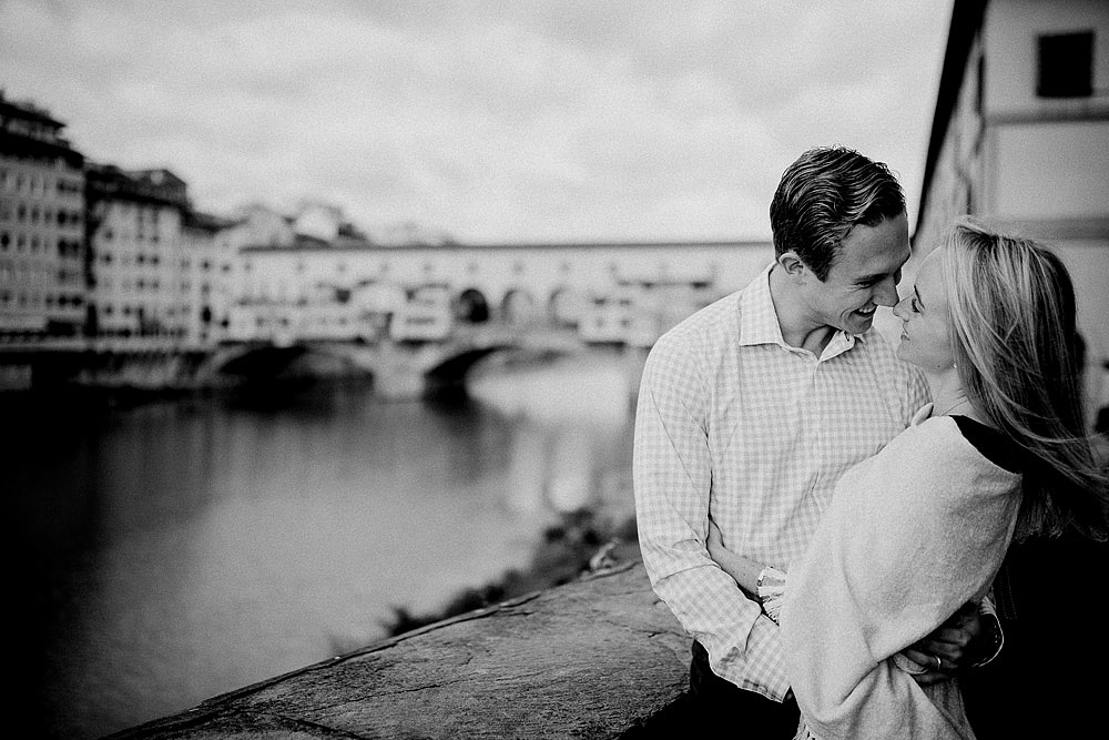 Honeymoon in the hiscoric centre of Florence Tuscany :: Luxury wedding photography - 17