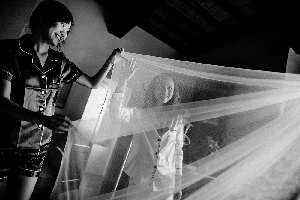 Destination wedding in Val d'Orcia by Borgo Castelvecchio :: Luxury wedding photography - 27