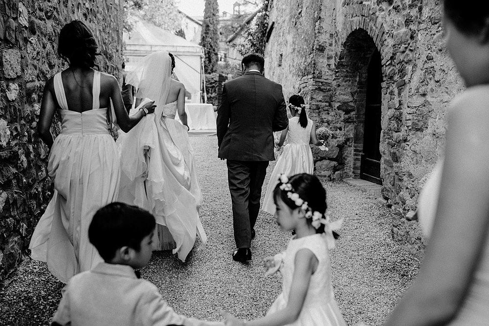 Destination wedding in Val d'Orcia by Borgo Castelvecchio :: Luxury wedding photography - 43