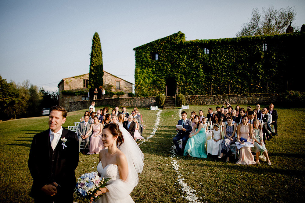 Destination wedding in Val d'Orcia by Borgo Castelvecchio :: Luxury wedding photography - 47