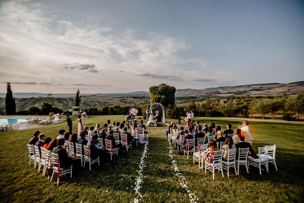 Destination wedding in Val d'Orcia by Borgo Castelvecchio :: Luxury wedding photography - 50