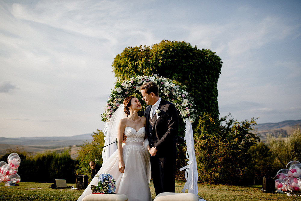 Destination wedding in Val d'Orcia by Borgo Castelvecchio :: Luxury wedding photography - 54