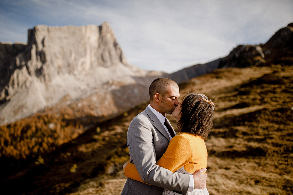 Matrimonio in Autunno Rustico e Vintage al Passo Giau :: Luxury wedding photography - 20