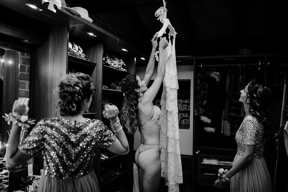SAN DONATO WEDDING BETWEEN THE HILLS OF CHIANTI TUSCANY :: Luxury wedding photography - 13