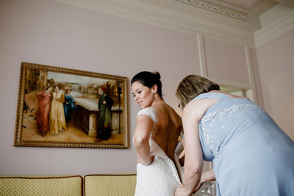 Stylish Wedding at Castello Vincigliata   Florence Italy :: Luxury wedding photography - 9