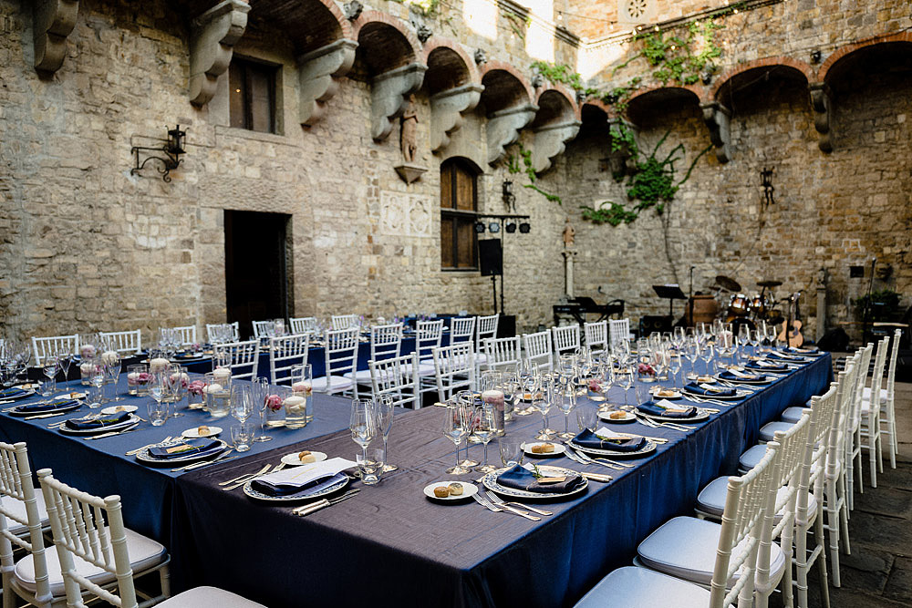 Stylish Wedding at Castello Vincigliata | Florence Italy :: Luxury wedding photography - 35