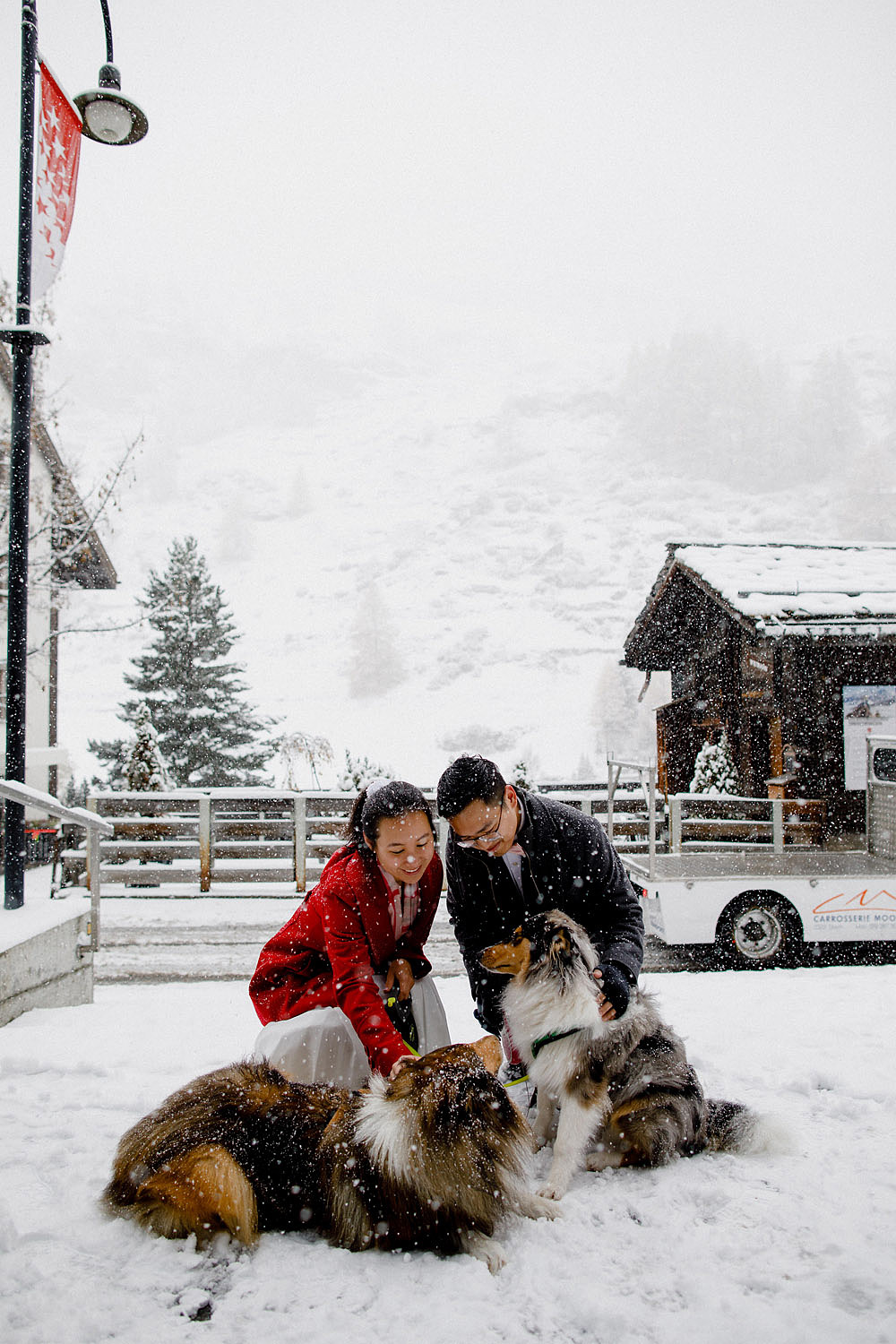 Engagement Session in the snow in Zermatt Switzerland :: Luxury wedding photography - 12