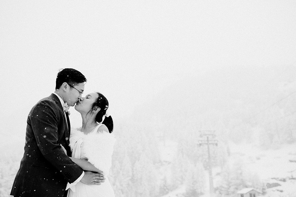 Engagement Session in the snow in Zermatt Switzerland :: Luxury wedding photography - 14