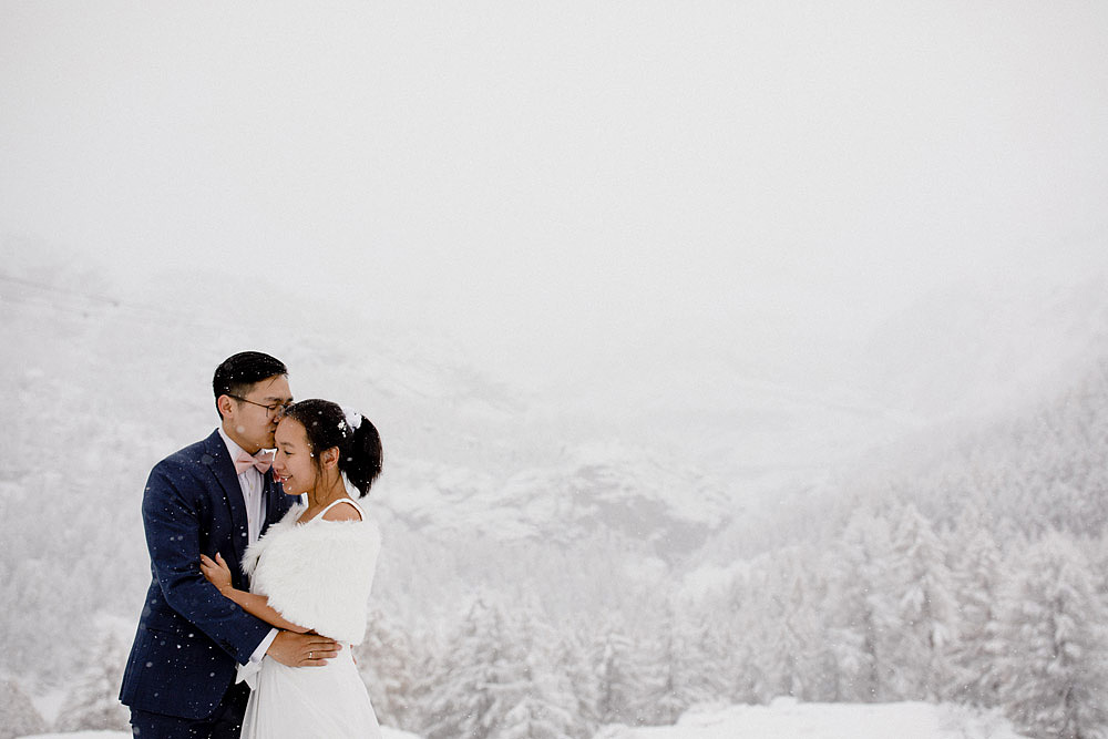 Engagement Session in the snow in Zermatt Switzerland :: Luxury wedding photography - 17